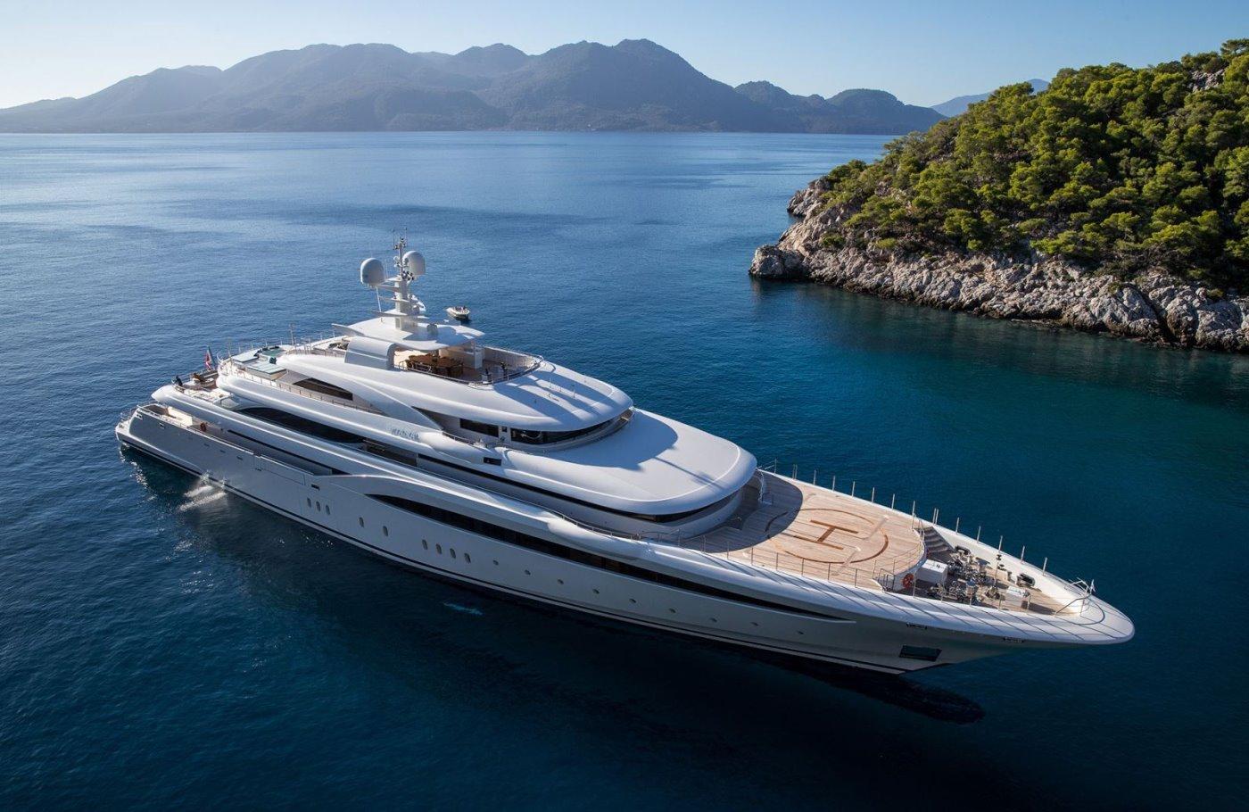 Motor Yacht Charter Greece
